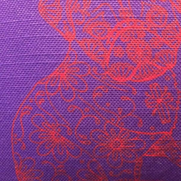 Line Freud Purple Cushion – Detail