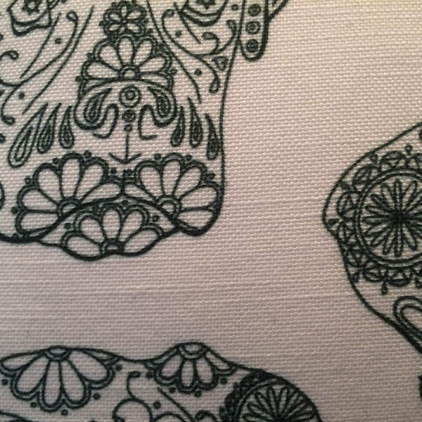 Line Ned White Cushion – Detail